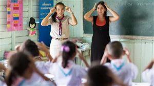 Các nước đối đãi nghề giáo ra sao ?
